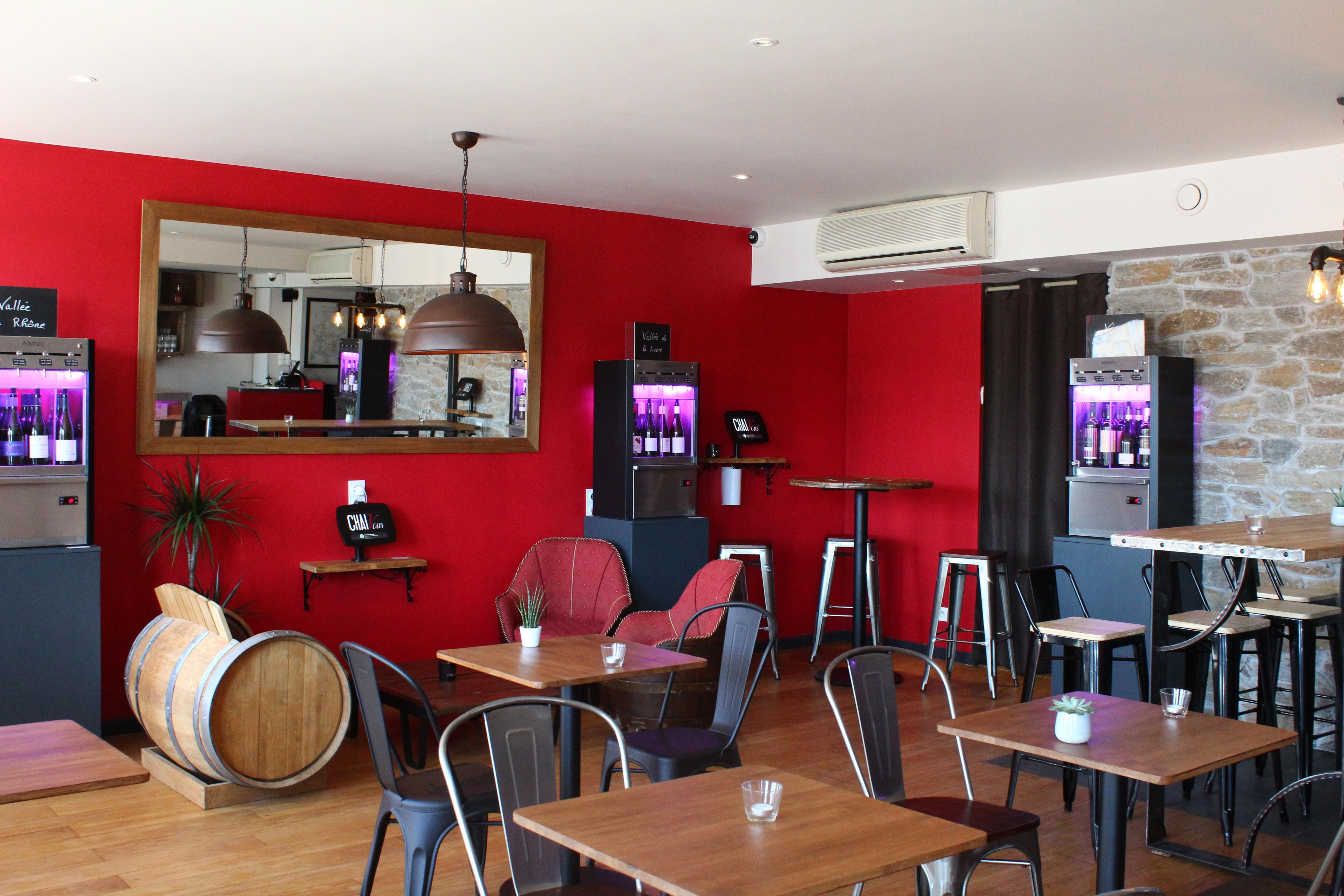 La salle du bar à vins